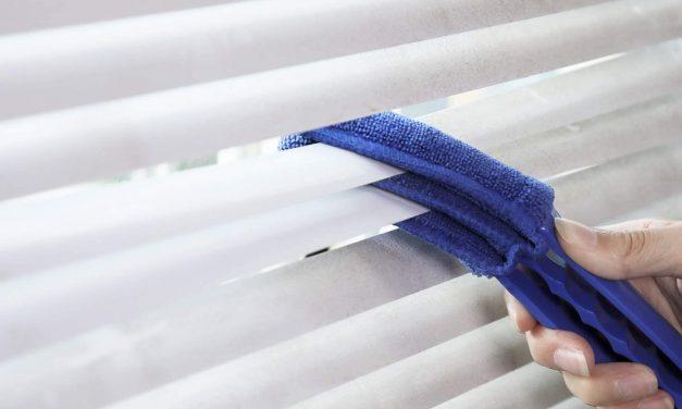Làm sạch rèm cửa nhanh gọn